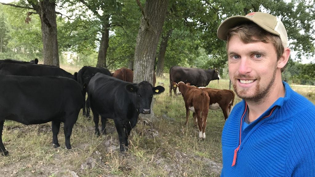 Lantbrukare Marcus Pettersson om vad naturbeteskött är och som under hösten ska serveras på skolor och äldreboenden i Söderköping.