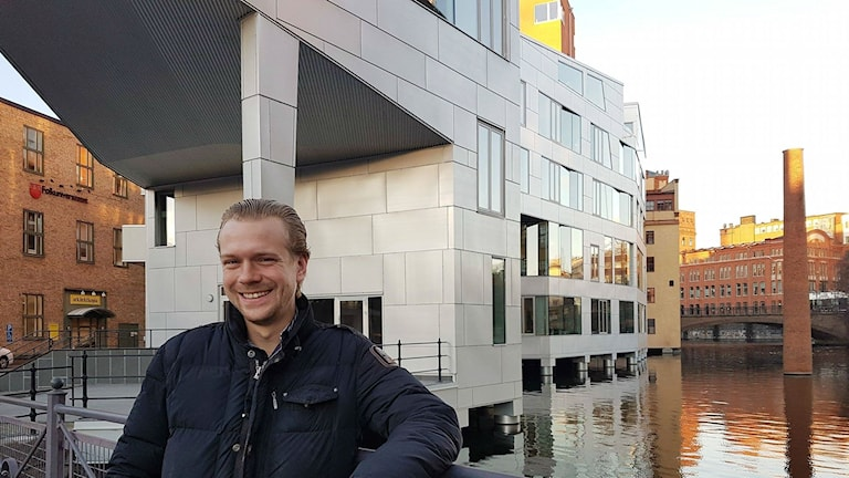 Patric Hellmann bor i Katscha.