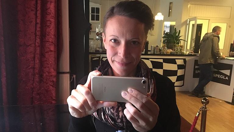Josefina Sahlin lär ut hur vi med enkla tips kan skapa bra videos med mobilen.