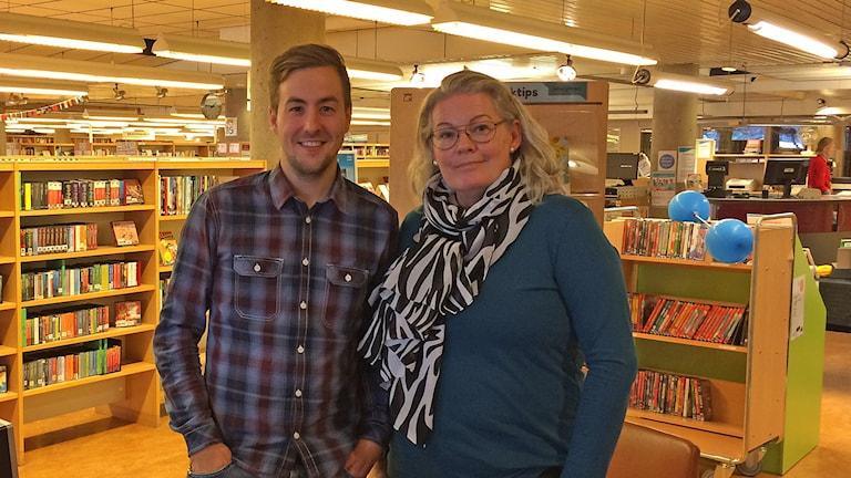 Simon Tullstedt , Föreningen IT-guiderna i Örebro, och Susanne Kastbom. samordnare från biblioteket i Motala.