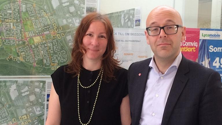 Cecilia Gyllenberg Bergfasth (MP) och Jakob Björneke (S) kommunalråd i Linköping.