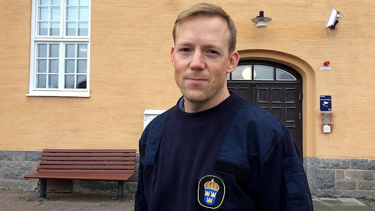 Björn Öberg är polisens presstalesman. Han säger att polisen gärna vill ha in tips om händelsen.