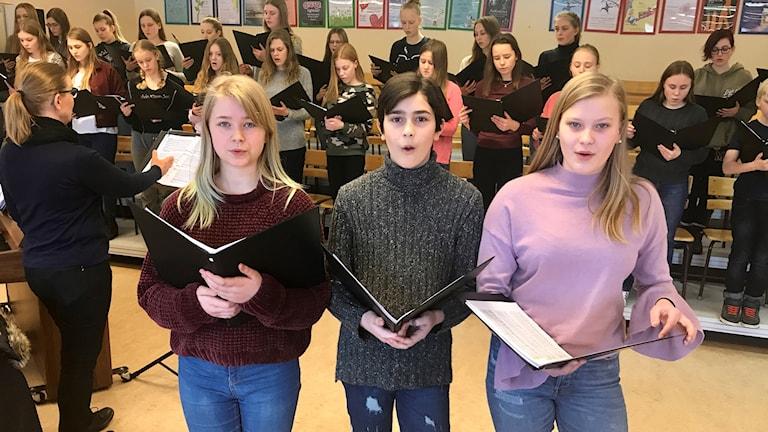 Agnes Åsenheim, Adnan Music och Isa Ribbenhed