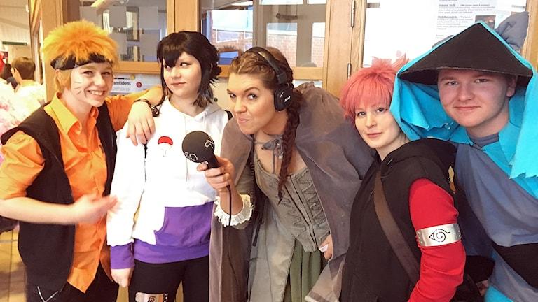 "En ""alv"" med mikrofon. I form av Anna-Karin Lodin"