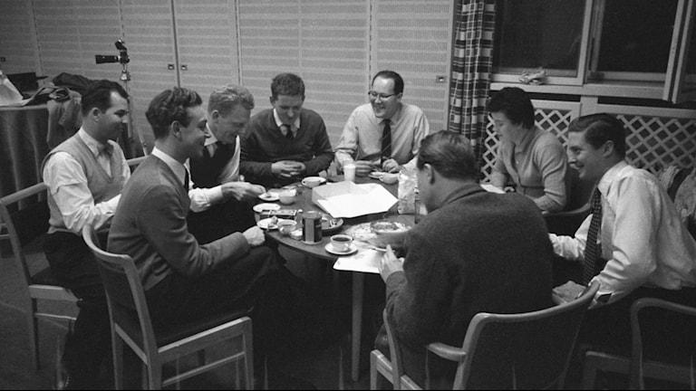Radiofynd: Hasse & Tage debuterar i radio med Skillingspelet 1956