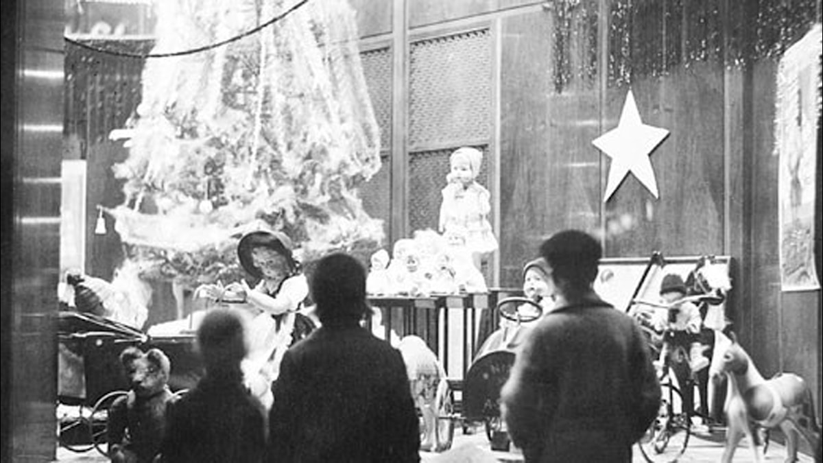 Julskyltning i Stockholm, 1930-tal. Foto: SVT Bild