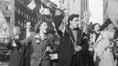 Fredsyra på Kungsgatan 7 maj 1945./SVT Bild