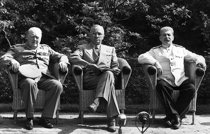 Churchill, Truman och Stalin på konferens mellan segermakterna i augusti 1945./TT