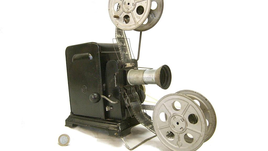 Stumfilmsprojektor. Foto: Wikimedia