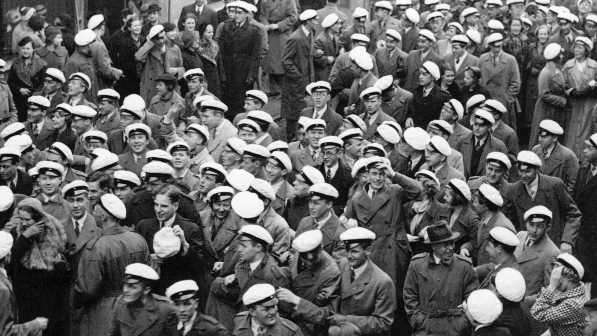 Studenter i Uppsala under valborgsfirandet 1936.