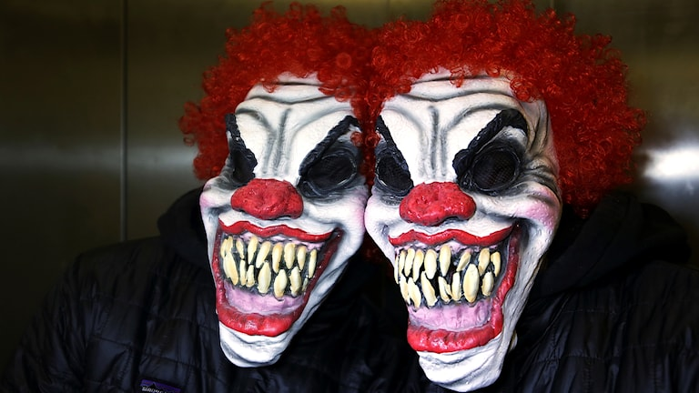 Clownmask som speglas.