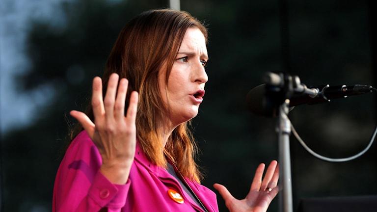 بيرغيتا أولسون، نائبة في البرلمان عن حزب اليبراليين وعضوة لجنة قيادة الحزب.