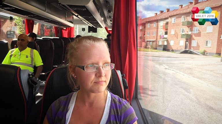 – Det är bra, man märker att det är många fler som åker, det är helt fullt ibland, säger resenären Loise Blomster om Avestas gratisbussar.