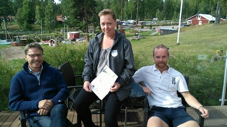 Pär Allanson, VD Främby Udde, Sofia Möller Skog, Folkuniversitetet, och Elias Svensson, tävlingsarrangör av triathlonet vid Främby Udde.