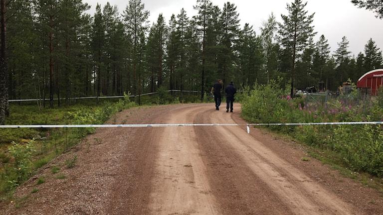 Polisen har spärrat av området där mannen attackerades.