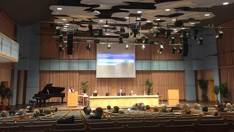 Landstingsfullmäktige sammanträder i, Kristinehallen i, Falun.