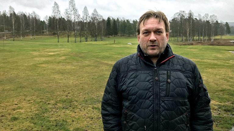 Tommy Staf på en grön golfbana utanför Ludvika - i mitten av januari 2020.