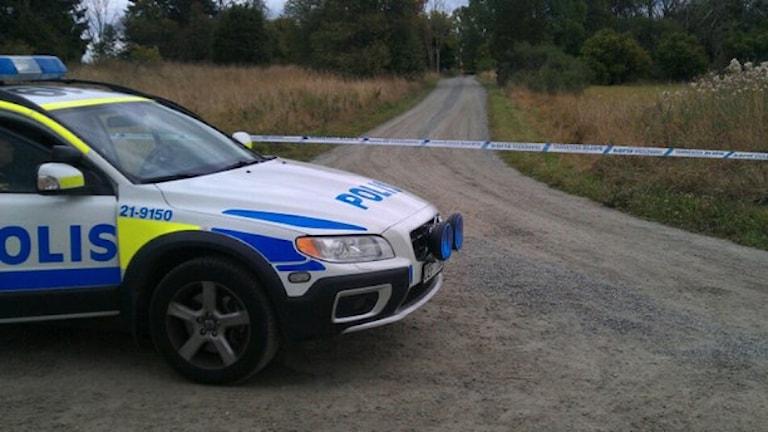 Polisens avspärrning i Örsundsbro. Foto: Mårten Nilsson /Sveriges Radio.