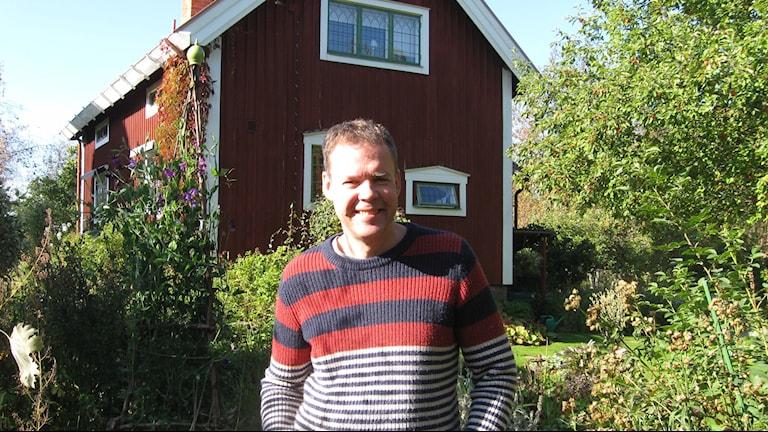 Författaren Tony Samuelsson från Slättberg i Orsa på väg till bok- o biblioteksmässan i Göteborg. Foto Stefan Ubbesen.