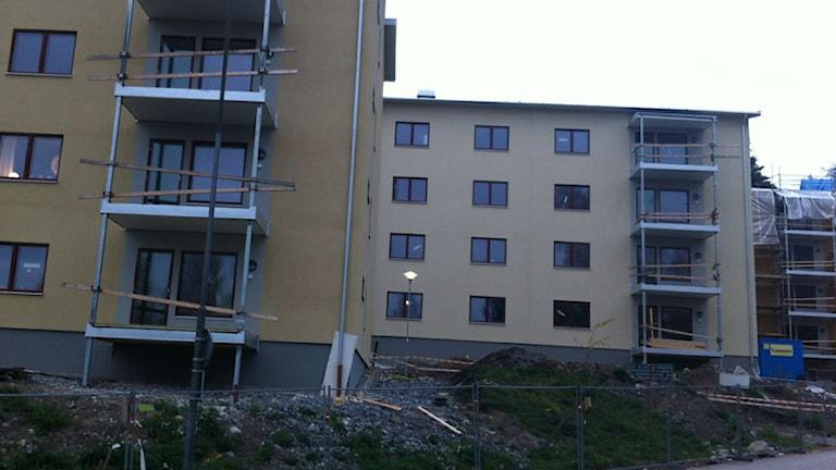 De nya lägenheterna under byggnation. Foto: Kristian Åkergren/Sveriges Radio