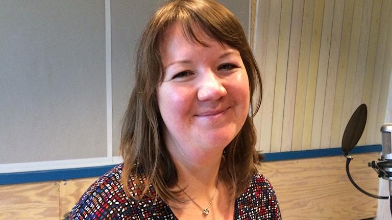 Sexolog Eira Alanko svarar på lyssnarnas frågor i P4 Dalarna Förmiddag. Foto: Sveriges Radio