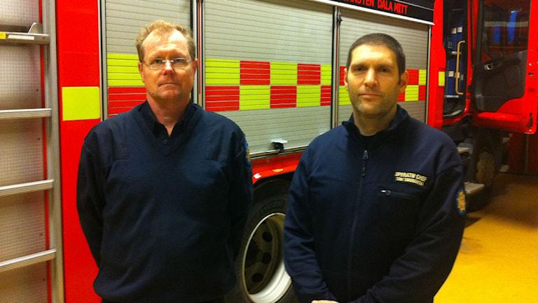 Mats Hedlund, ställföreträdande förbundschef, och Toni Todorovski, räddningschef, på Räddningstjänsten Dala Mitt. Foto: Kristian Åkergren/SR