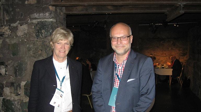 Landshövding Maria Norrfalk och Anders Hedström från Intresseföreningen Bergslaget. Foto Stefan Ubbesen