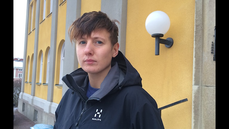 Anton Leck från Falun genomgår ett könsbyte, från kvinna till man. Foto: Beatrice Åström/Sveriges Radio