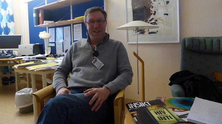 Anders Lindblom på Smittskyddsenheten i Falun är glad åt de nya hepatit medicinerna. Foto: Lotta Rydén P4 Dalarna
