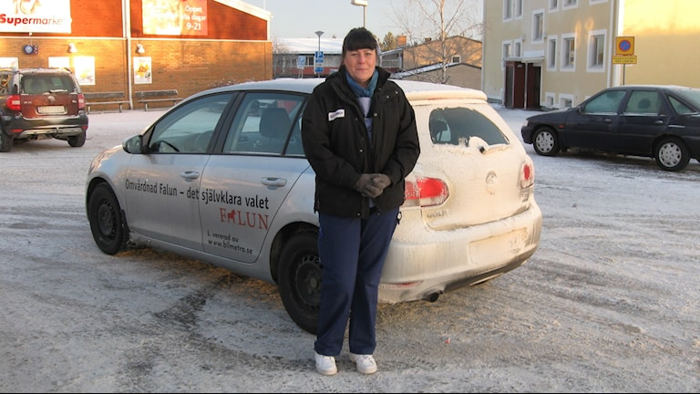 Liljans-supportern Anna Frost Lönn kan inte se matchen idag, hon måste jobba. Foto: Stefan Ubbesen