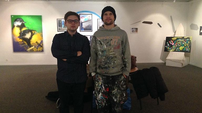 Konstärerna Magnus Kalitzki och Johannes Lindgren. Foto: Salam Abu-Iseifan