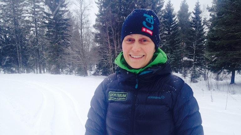 Anne Mörk är kritisk till att det slängs så mycket skräp i naturen under Vasaloppet. Foto: Anna Lindgren