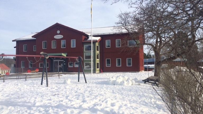 Aspeboda skola - energisnålt byggd. Foto: Sveriges Radio