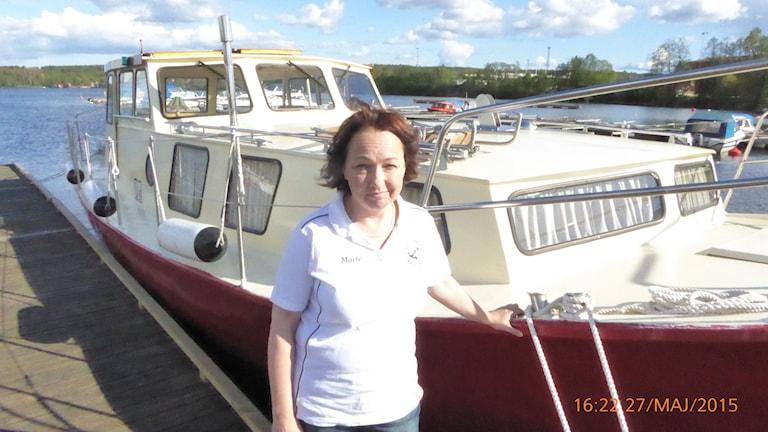 Marier Lekare vid sin båt Marinette (Foto: Johan Thorén)