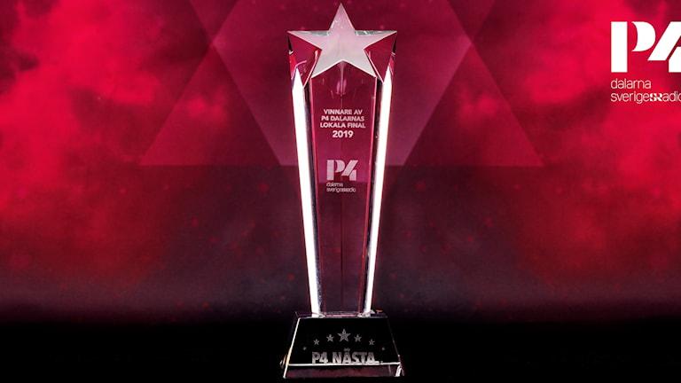 Glasstatyett som pris i dalafinalen av musiktävlingen P4 Nästa.