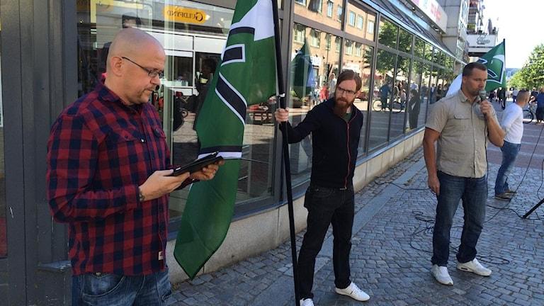 Svenska Motståndsrörelsen håller torgmöte