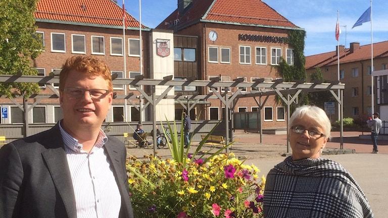 Smedjebackens socialdemokratiska kommunalråd Fredrik Rönning och det moderata oppositionsrådet Lotta Gunnarsson