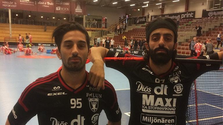 Hassan och Ciya Hajo var, precis som deras lagkamrater, både ledsna och arga efter IBF Faluns hemmapremiär mot, Pixbo. Foto Stefan Ubbesen.