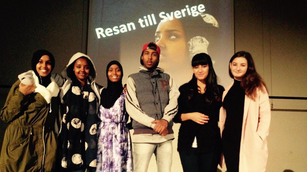 """Delar av folket bakom """"Resan till Sverige"""". Foto: Emma Hulander / Sveriges Radio."""