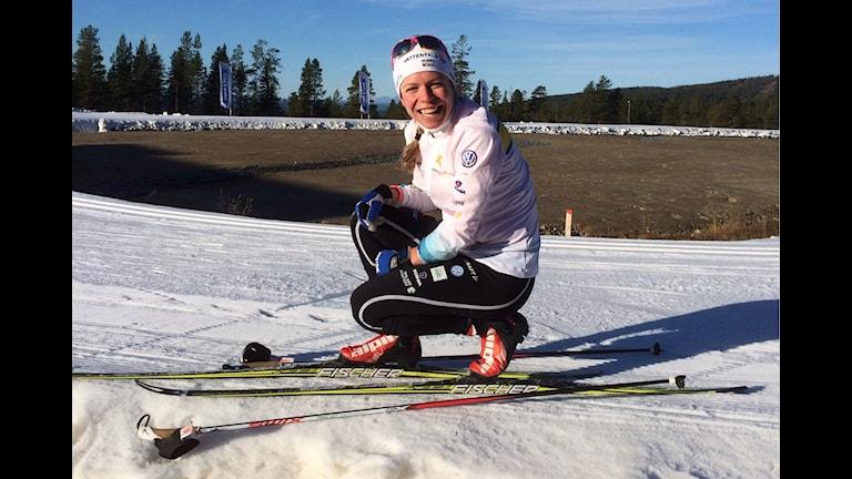 Maria Rydqvist från Älvdalen, svensk A-landslagmedlem på plats för premiärträning i Idre Fjälls långa skidspår. Foto Stefan Ubbesen