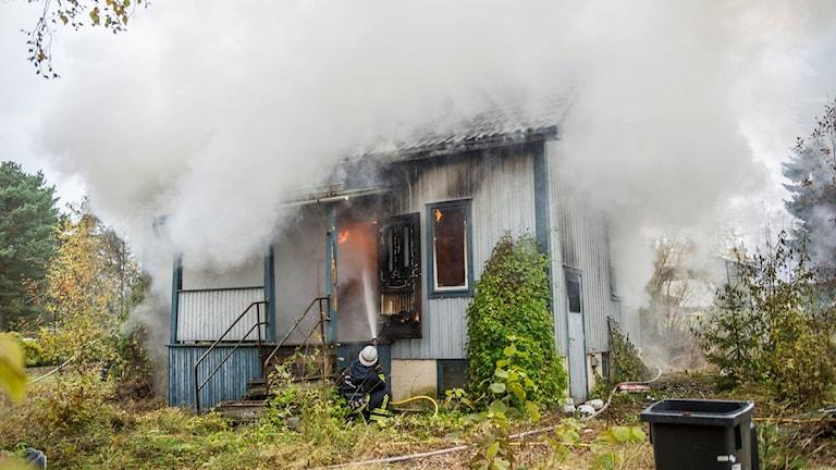 Villan brinner
