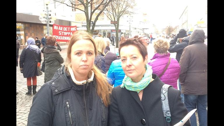Martina och Paula Lindgren. Undersköterskor vid Ludvika lasarett. Foto Stefan Ubbesen
