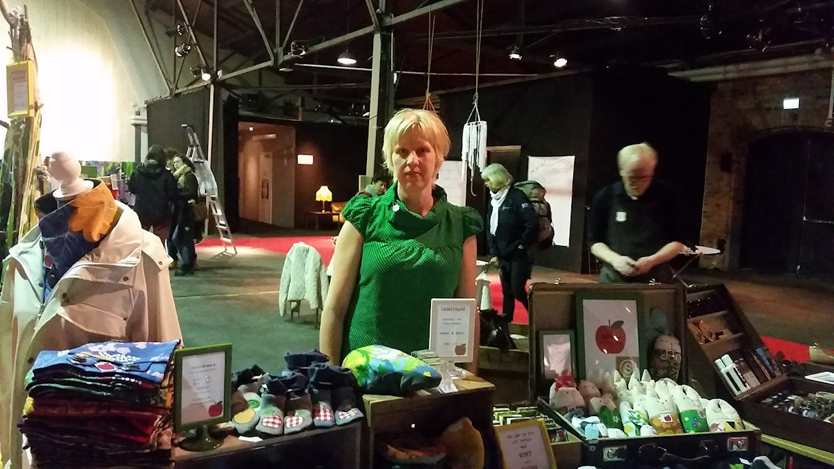 Sara Forsberg är en av de som återbrukar och som finns som utställare på Magasinet i Falun i dag.