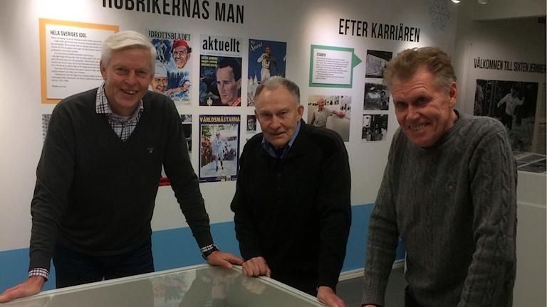 Rolf Hammar, Janne Stefansson och Lars-Arne Bölling på plats i Sixten Jernberg-museet i Limedsforsen.
