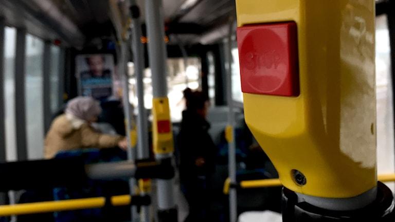 Väktare tvingas sköta säkerheten på vissa busslinjer i Borlänge. Foto: Josef Björnetun