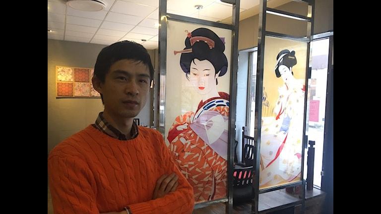 Kinesen Ning Zhuy lagar japanskt mat