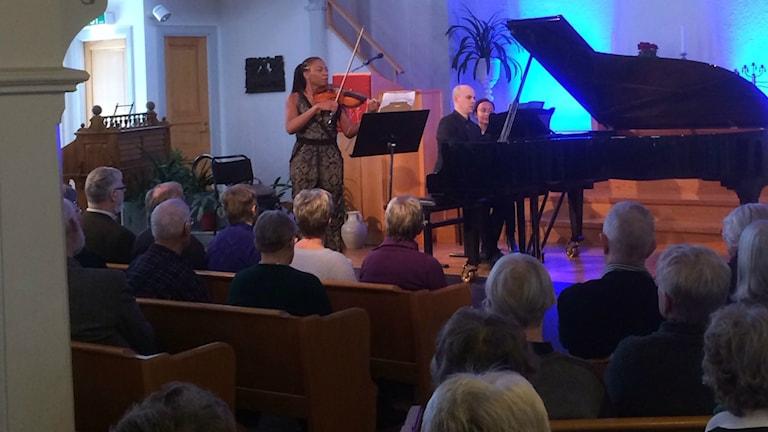 Vikingur Ólafsson spelade själv vid en lunchkonsert i Orsa kyrka.