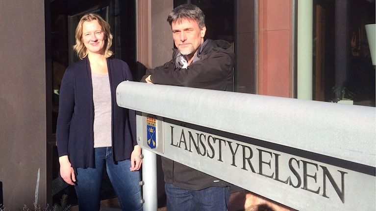 Beredskapsdirektör Lars-Håkan Jönsson och Karin Jonasson, länsstyrelsen. Foto: Stefan Ubbesen P4 Dalarna