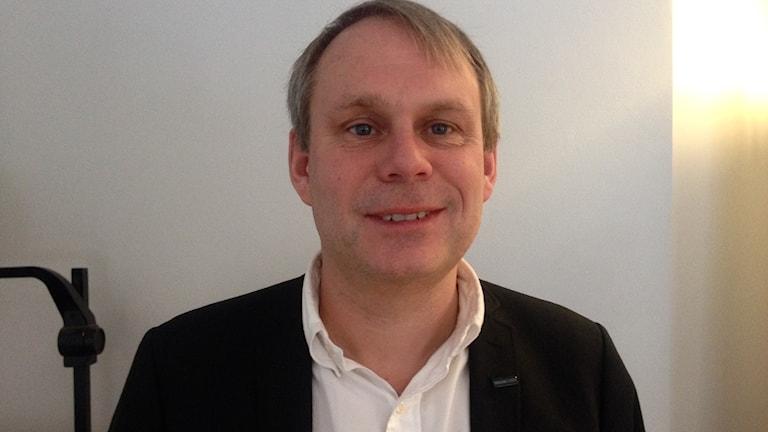 Bilden visar ansiktet på Magnus Lindgren, generalsekreterare för stiftelsen Tryggare Sverige.