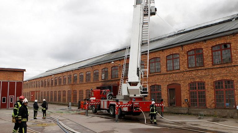 Branden i industrilokalen i Morgårdshammar i Smedjebacken. Foto: Mikael Gustafsson.